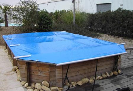 la b che opaque que nous avons install sur la piscine est. Black Bedroom Furniture Sets. Home Design Ideas